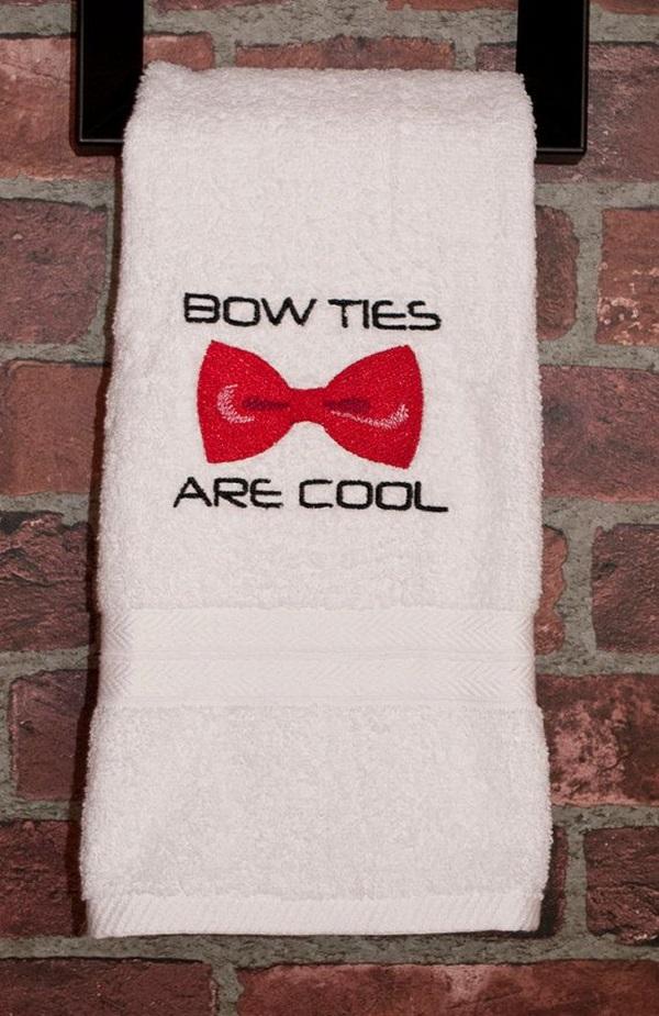 Towel Ties And Decorative Pillows (1)