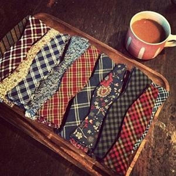 Towel Ties And Decorative Pillows (4)
