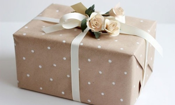 25 DIY Wrapping Paper Ideas for Gifts 16