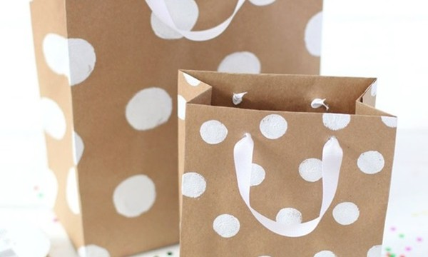 25 DIY Wrapping Paper Ideas for Gifts 8