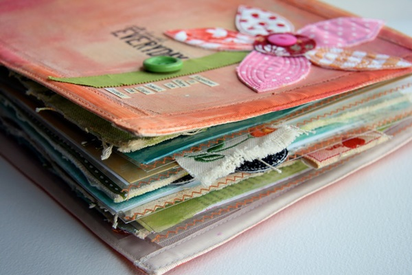 40 Useful Scrapbook Ideas Feature Image