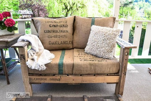 40 Ways to Make use of Old Pallets 29