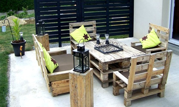 40 Ways to Make use of Old Pallets Feature Image
