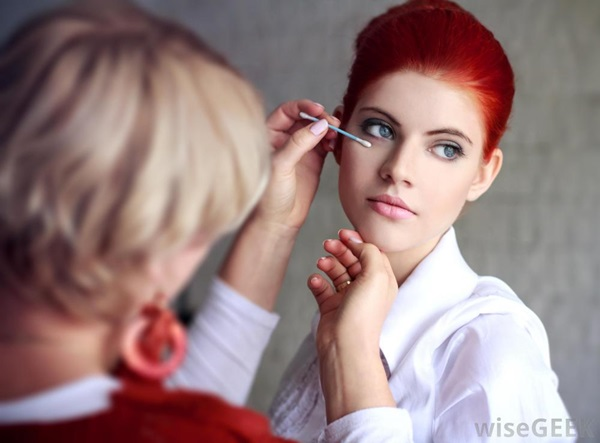 Easy Ways of Becoming a Make-up Artist 6