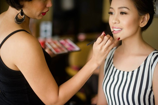 Easy Ways of Becoming a Make-up Artist 8