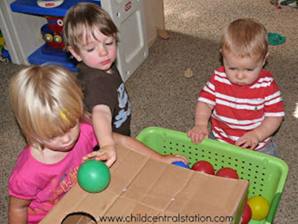 30 Amazing Activities to keep your 1 year Baby Busy 5a