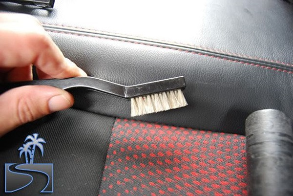 5 Amazing Hacks to Clean you Car 5