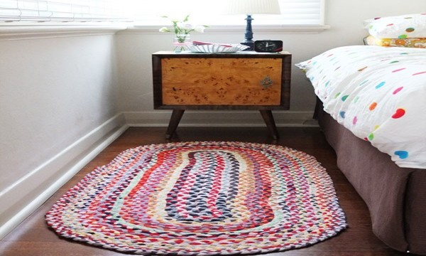 DIY Braided T-Shirt Rug Tutorial  Feature Image