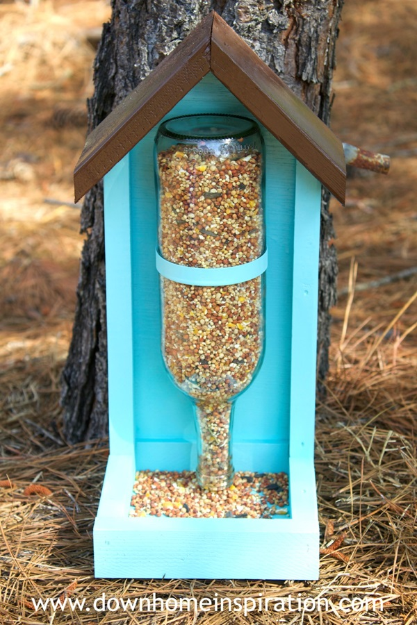 How to Make a Wine Bottle Bird Feeder 3a