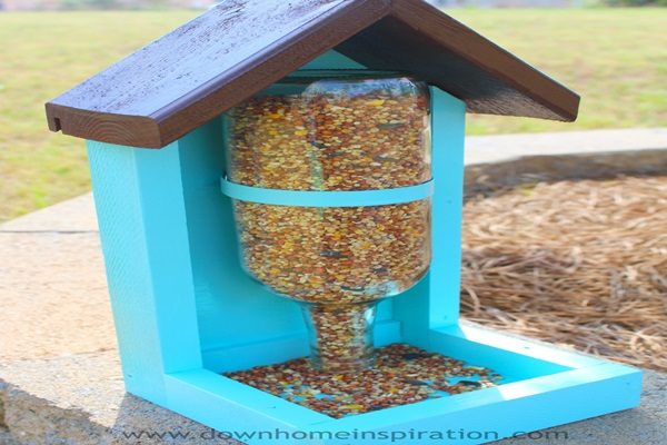 How to Make a Wine Bottle Bird Feeder Feature Image