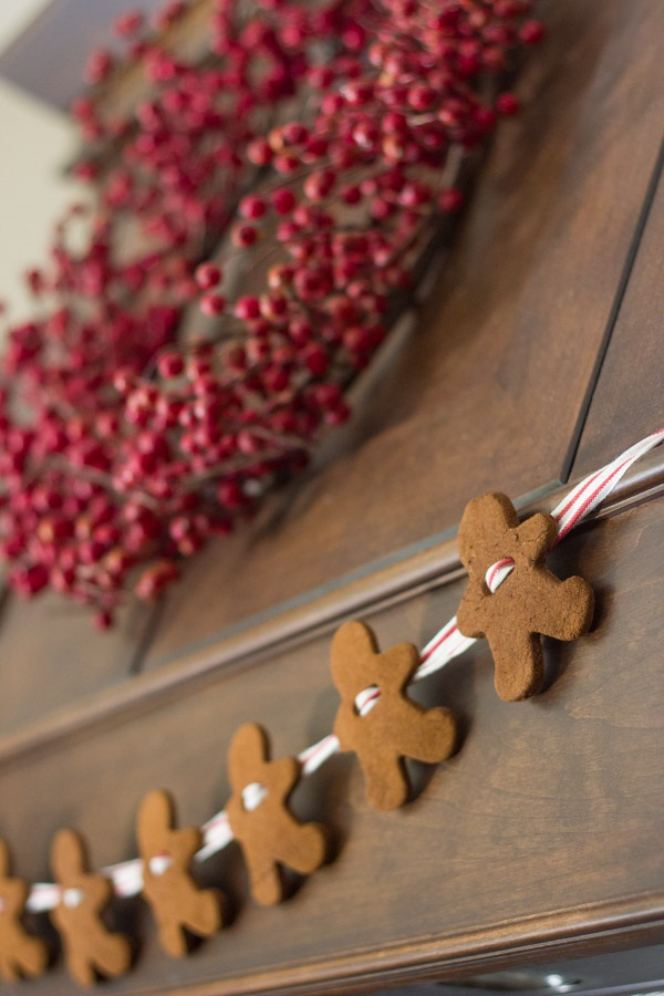 20 DIY Christmas Decors on a Budget 14