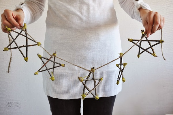 20 DIY Christmas Decors on a Budget 3