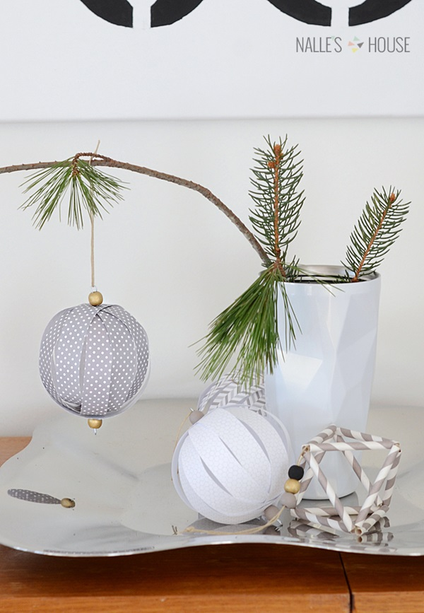 20 DIY Christmas Decors on a Budget 9