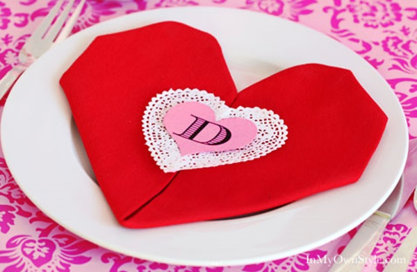 30 Creative Napkin Folding Ideas 16