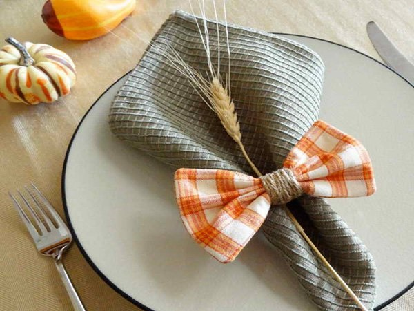 30 Creative Napkin Folding Ideas 19