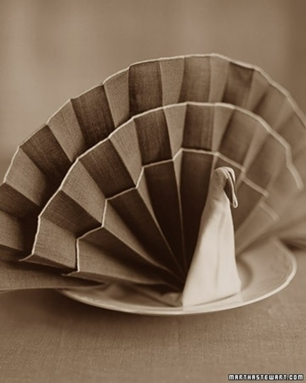 30 Creative Napkin Folding Ideas 2