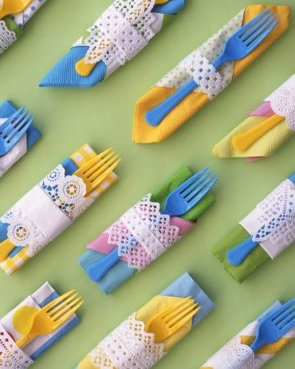 30 Creative Napkin Folding Ideas 24