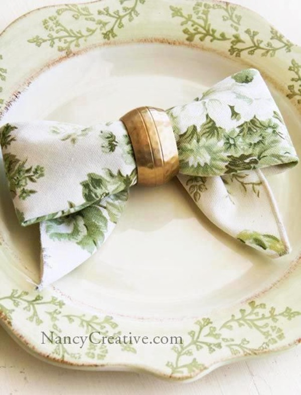 30 Creative Napkin Folding Ideas 26