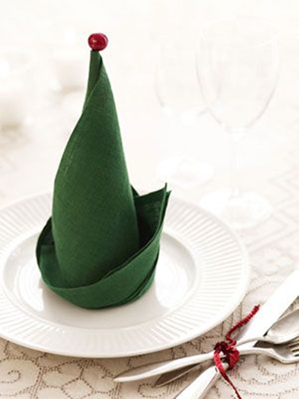 30 Creative Napkin Folding Ideas 28