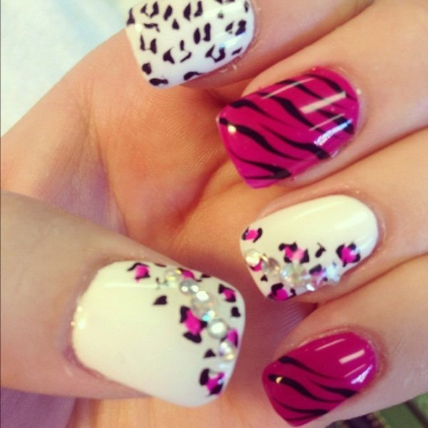 40 Cool and Simple Acrylic Nail Designs 18