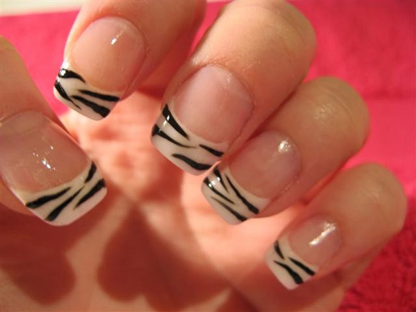40 Cool and Simple Acrylic Nail Designs 30
