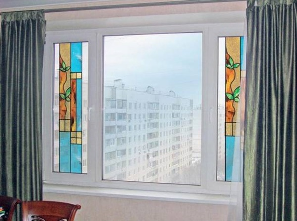 30 Window Glass Painting Ideas for Beginners 7