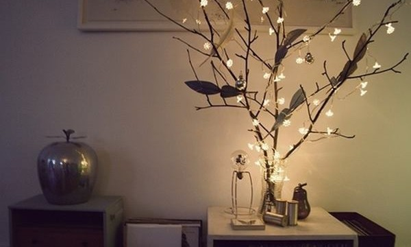 25 Cool Tree Branches Decoration Ideas for Home Feature Image