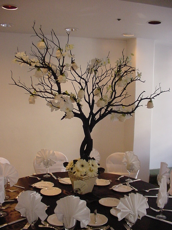 25 Cool Tree Branches Decoration Ideas for Home 19
