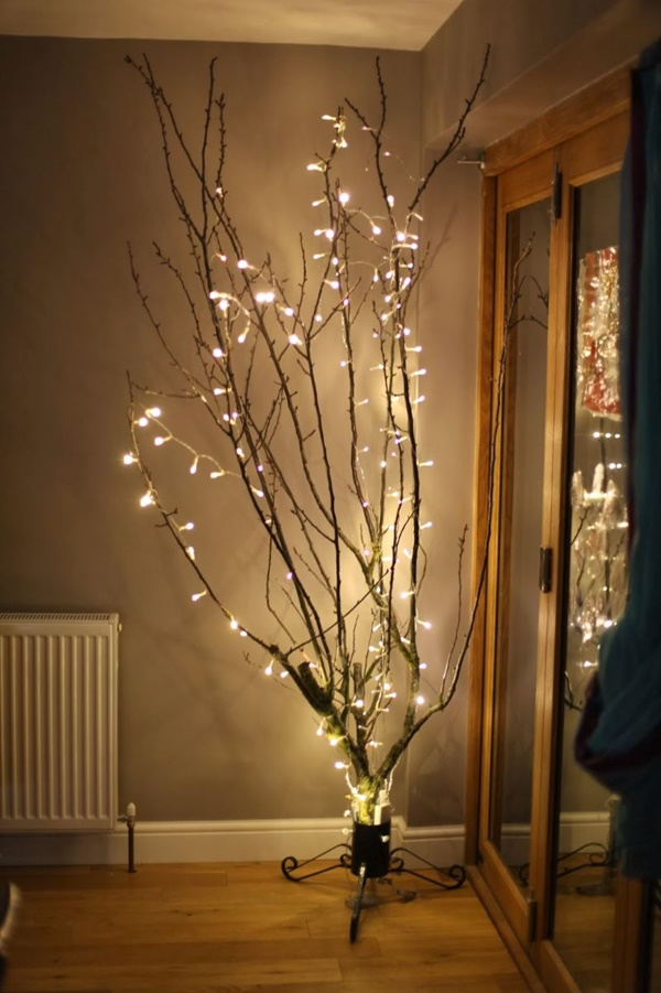 25 Cool Tree Branches Decoration Ideas for Home 9