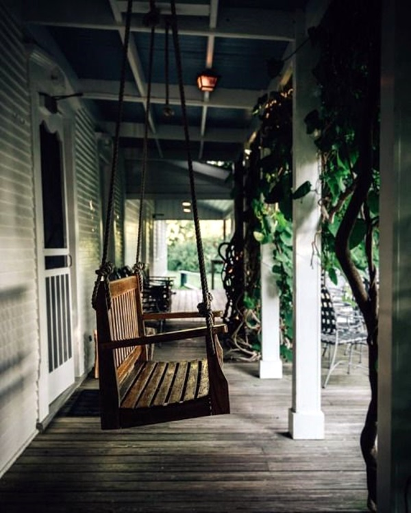 Beautiful Porch Swing Home Installation (4)