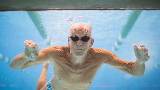 Hobbies for men over 50 (21)