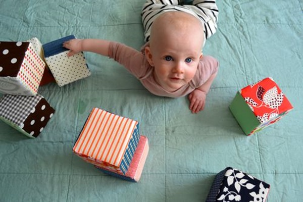 12 Amazing and Simple DIY Toys for Kids 9