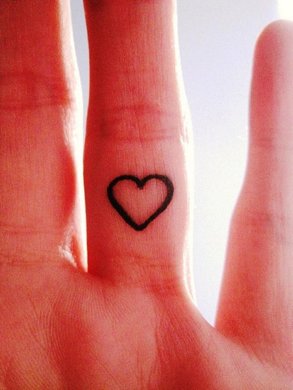 35 Cute and Small Heart Tattoo Designs 31
