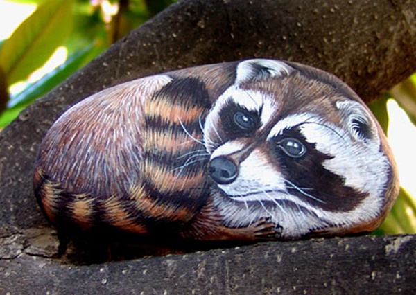 40 Cute Pictures of Animals Painted on Rocks 16