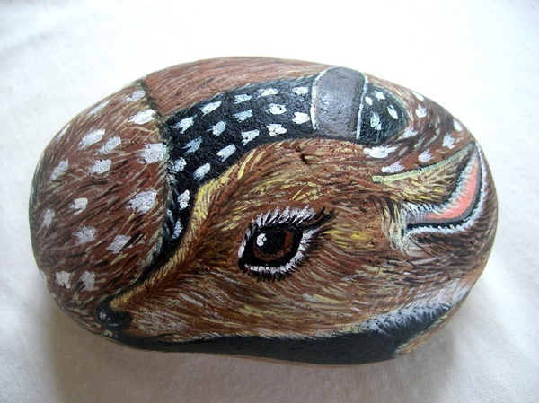 40 Cute Pictures of Animals Painted on Rocks 2