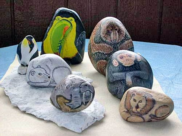 40 Cute Pictures of Animals Painted on Rocks 22