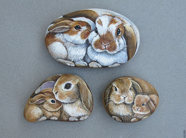 40 Cute Pictures of Animals Painted on Rocks 24