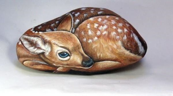 40 Cute Pictures of Animals Painted on Rocks 26