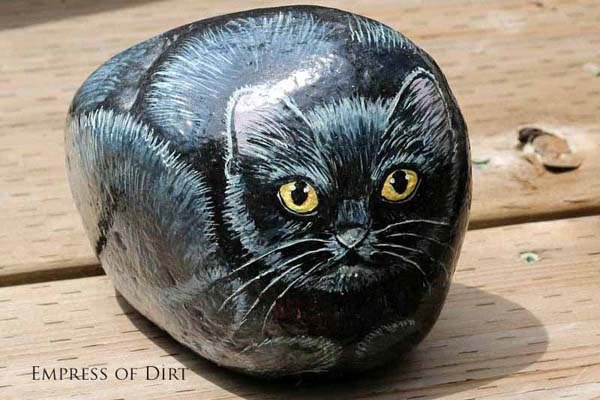 40 Cute Pictures of Animals Painted on Rocks 29