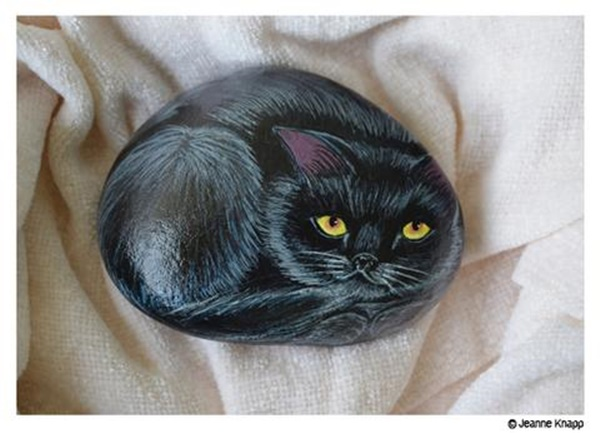 40 Cute Pictures of Animals Painted on Rocks 5