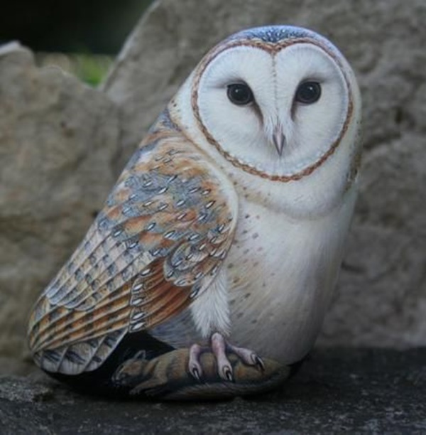 40 Cute Pictures of Animals Painted on Rocks 9