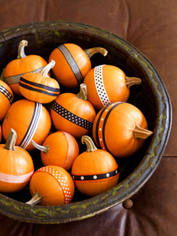 40 Cute and Easy Pumpkin Painting Ideas 32