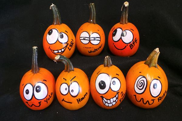 40 Cute and Easy Pumpkin Painting Ideas Feature Image