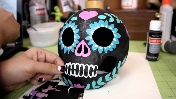 10-beautiful-handmade-halloween-paper-mache-ideas-10