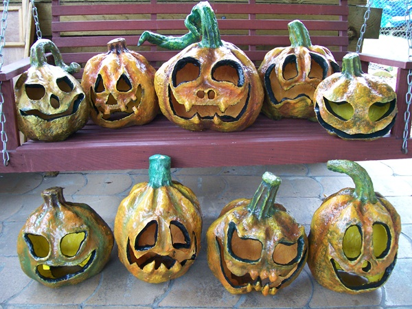 10-beautiful-handmade-halloween-paper-mache-ideas-8