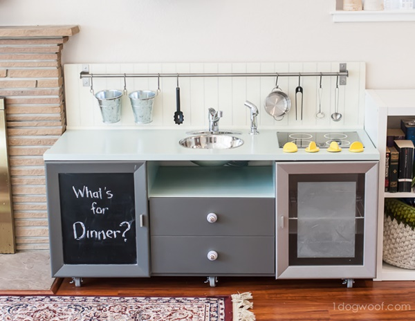 10awesome-diy-play-kitchen-ideas-for-your-kids-9