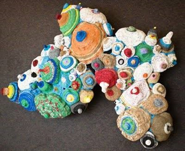 25-beyond-believe-crochet-artwork-installations-9