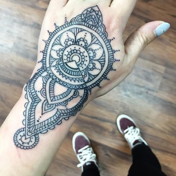 40-so-beautiful-mandala-tattoo-designs-31