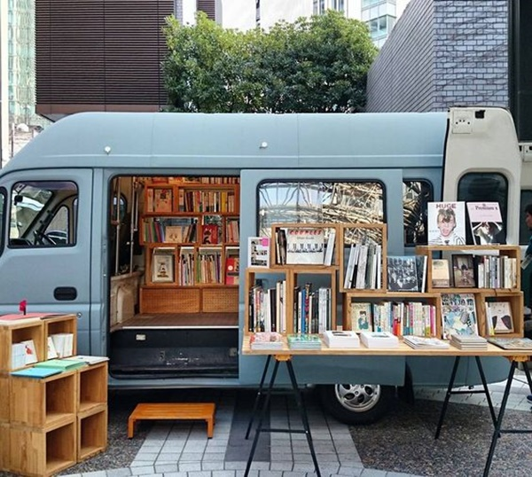 5-creative-but-small-movable-library-ideas-2