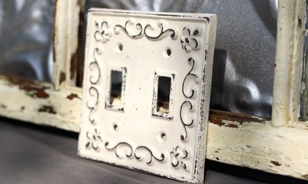 decorative-light-switch-covers-that-are-artistically-improvised-feature-image